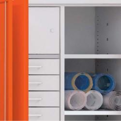Compartiments verrouillables et étagères réglables
